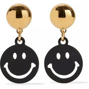 AW15 Smiley Face Black Metal Clip On Earrings